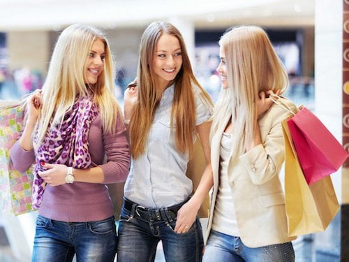 8 Annoying Types of Shoppers: The Teenagers